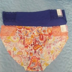 NWT TWO GILLIGAN AND OMALLEY NO SHOW BIKINI